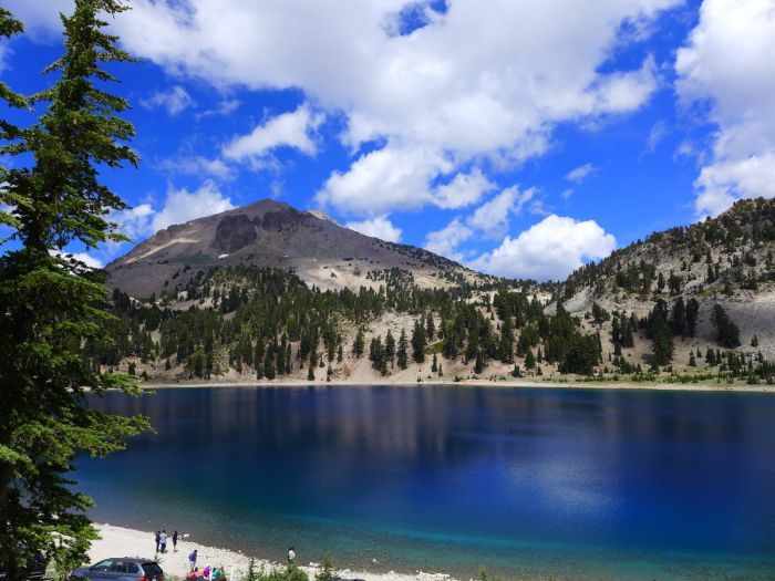 Lassen peak and Hellen Lake